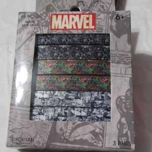 NIB Avengers Marvel 3 pack of shoelaces